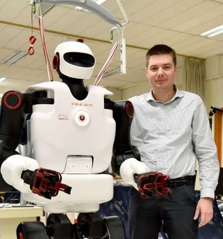 Doc  dr  Tadej Petric – Laboratory for collaborative robotics
